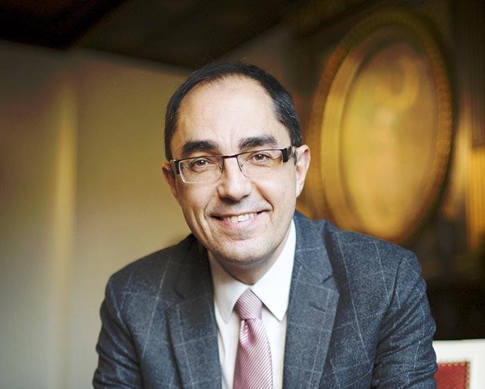 Le patron sortant du Louvre va promouvoir l'expertise de la France dans les musées