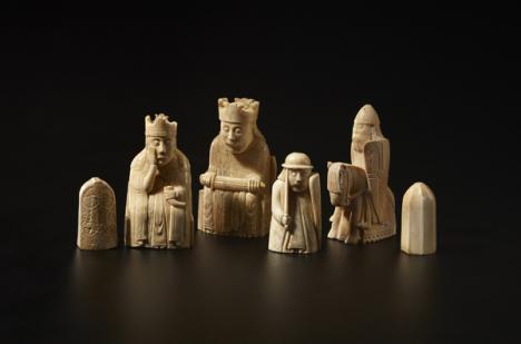 Jeu d'échecs de Lewis, ivoire, 1150-1175.