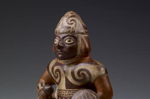 Pot en forme de guerrier, Pérou, art mochica, 100-700.