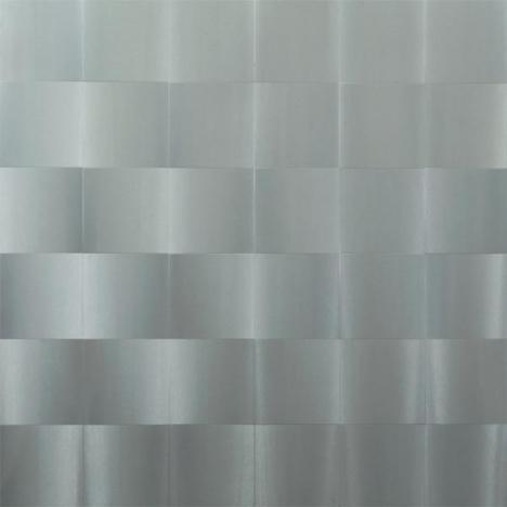 Getulio Alviani, <em>Surface with Vibrating Texture</em>, 1964, 83,6 x 83,2 cm, aluminium brossé sur panneau de composition - Collection MoMA