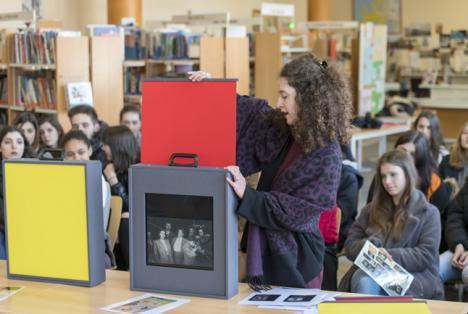 Présentation de la Flash Collection du Frac Île-de-France au lycée Jean Monnet de La Queue-lez-Yvelines