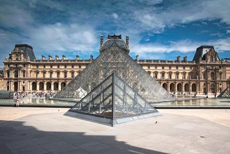 Le Louvre appelle les visiteurs à réserver pour être sûrs de pouvoir rentrer