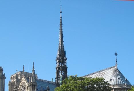 Notre-Dame : cinq ans, un délai tenable si « on refait à l'identique »