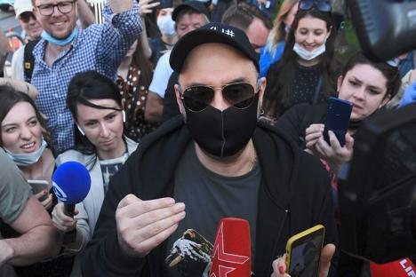 Kirill Serebrennikov devant les journalistes, le 26 juin 2020. © Photo Kirill Kudryavstev/AFP