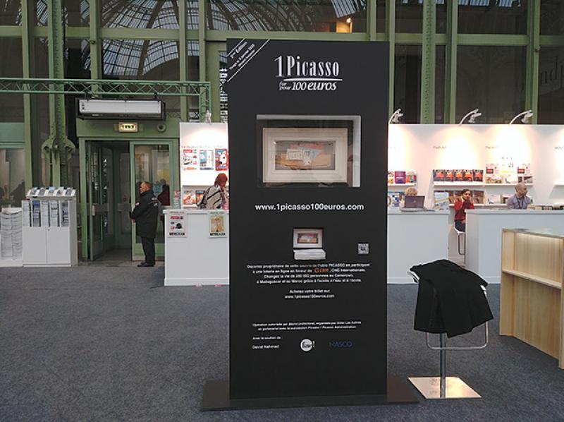 Le tableau à gagner de Picasso était présenté dans une borne lors de la Fiac 2019
