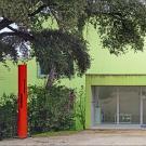 Entrée du nouveau bâtiment d'exposition de l'Espace de l'Art Concret à Mouans-Sartoux. © Photo Jean-Pierre Dalbéra, 2019, CC BY 2.0.