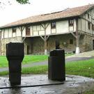 La Ferme Zabalaga dans le parc de 12 hectares du musée Chillida Leku (2005)